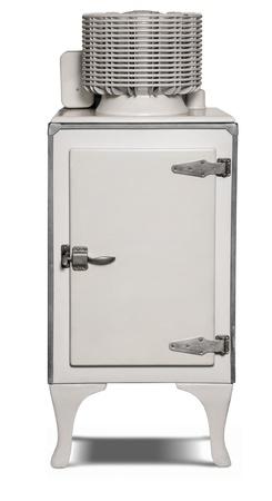 Kühlschrank 1930er Jahren Era El isoliert auf weiss mit einem Beschneidungspfad Lizenzfreie Bilder
