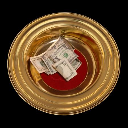 generosity: Iglesia plato de la ofrenda con alguna moneda en que