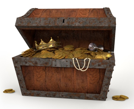 cofre del tesoro: Una foto de un cofre lleno de botín pirata sobre un fondo blanco Foto de archivo