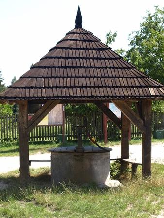 kazimierz dolny: Old well in Mecmierz, small village near Kazimierz Dolny, Poland