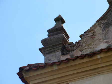 lubelskie: Details of olf stoned granary