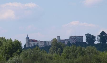 kazimierz dolny: Kazimierz Dolny, Poland - July 26, 2008: View from stoned castle in Janowiec, near Kazimierz Dolny