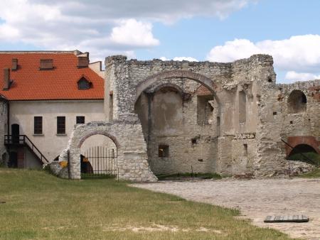 kazmierz dolny: Kazimierz Dolny, Poland - July 08  View from stoned castle in Janowiec, near Kazimierz Dolny on July 08, 2013 in Kazmierz Dolny, Poland Editorial