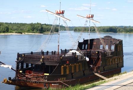 kazimierz dolny: Kazimierz Dolny, Poland - July 08  Touristic boat for tourist in Vistula River on July 08, 2013 in Kazimierz Dolny, Poland
