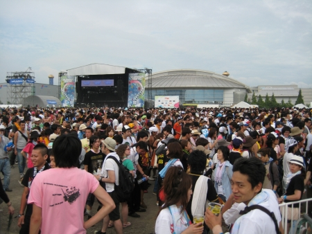 Large crowd of people at Summer Sonic Concert Festival 2010, Japan 新聞圖片