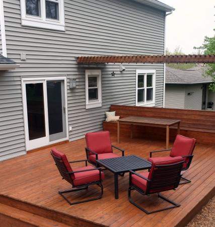 patio deck: Backyard Deck e Casa Improvment Archivio Fotografico