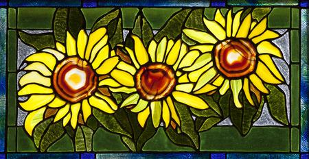 3 花とひまわりのステンド グラス パターン。