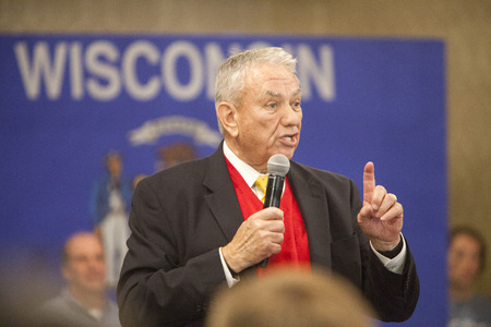 tommy: MADISON, WIUSA - March 28, 2016: Former Republican Governor and Health and Human Services Secretary Tommy Thompson speaks on behalf of Republican presidential candidate John Kasich during a town hall event before the Wisconsin presidential primary.
