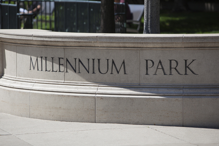 CHICAGO - JUNE 1, 2017: The millenium park sign in downtown Chicago. Millenium park is a popular location park with several famous public art exhibitions. Sajtókép