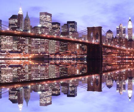 Pont de Brooklyn et Manhattan skyline At Night, New York City Banque d'images