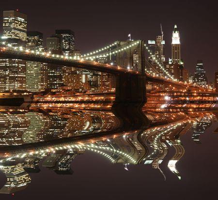 Brooklyn Bridge and Manhattan skyline At Night, New York City Stock Photo - 4900601