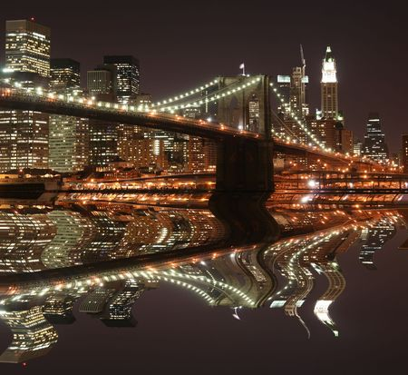 Brooklyn Bridge and Manhattan skyline At Night, New York City Stock Photo - 4900601