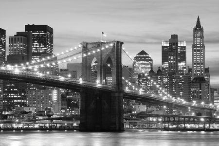 brooklyn: Brooklyn Bridge and Manhattan skyline At Night LANG_EVOIMAGES