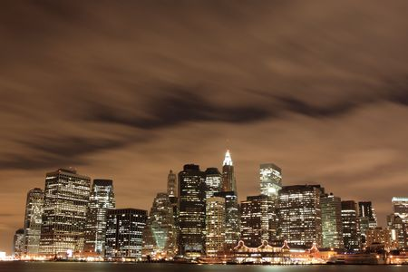 skylines: New York City skyline at Night Lights LANG_EVOIMAGES