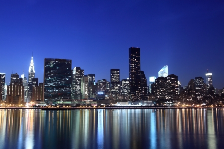 Skyline von New York City bei Nacht Lights, Midtown Manhattan