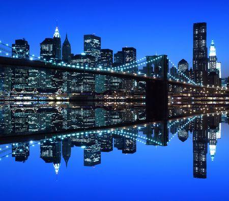촉각 근: Brooklyn Bridge and Manhattan Skyline At Night, New York City  LANG_EVOIMAGES