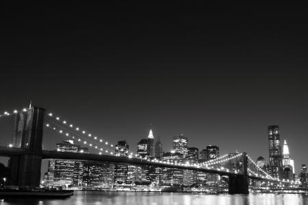 Brooklyn Bridge and Manhattan Skyline At Night, New York City  스톡 콘텐츠