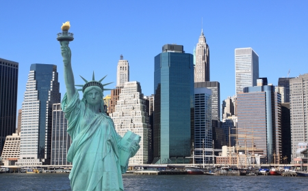 Manhattan Skyline and The Statue of Liberty, New York City  Stock Photo - 17356663