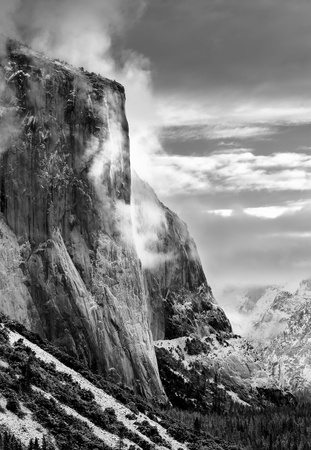 View Of Morning Light Striking El Capitan, In California's Yosemite National Park After A Fresh Winter Snow Storm Archivio Fotografico