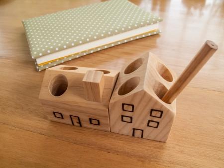 pen holder: Wood pen holder