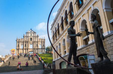 Die Ruinen der St. Paul s Cathedral, dem Wahrzeichen der Stadt in Macau Standard-Bild - 25656614