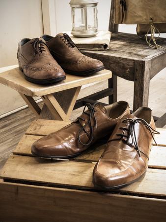 Vintage männlichen accessories.Leather Schuhe. (Vintage-Effekt-Stil Bild) Standard-Bild - 39988059