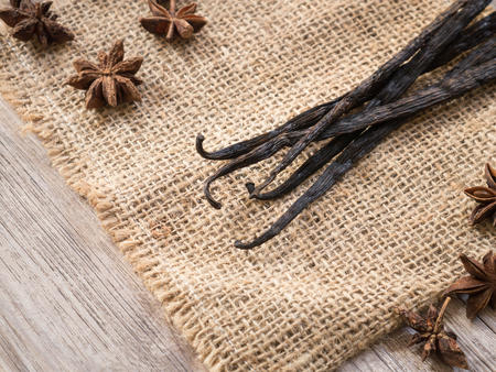 sackcloth: Organic vanilla bean on sackcloth ( Space and composition for text )