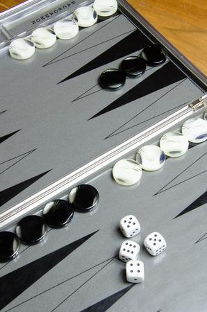 looser: Backgammon