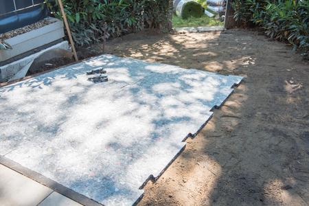 tapis comme une préparation pour le gazon artificiel