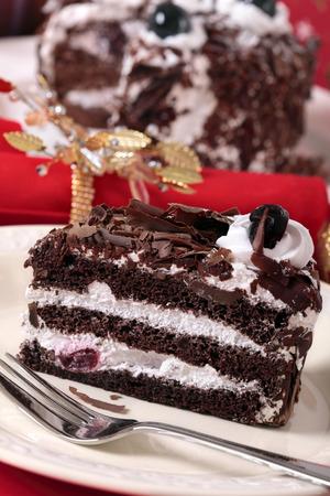 rebanada de pastel: Rebanada de pastel de chocolate  Foto de archivo