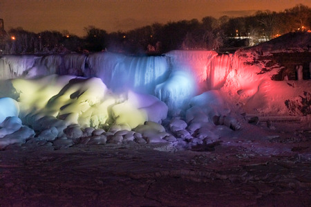 niagara falls city: Niagara Falls a Winter Night