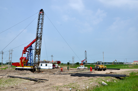 Construction of drilling rigs