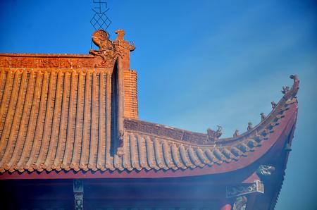 Vista de la estructura del techo de un templo chino Foto de archivo - 94117540