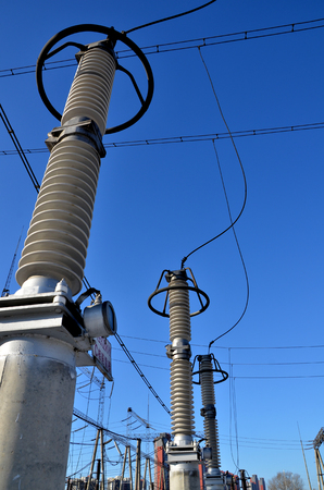 electric grid: Electric power transmission line