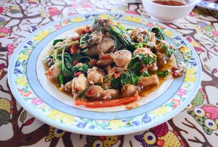 santa cena: Salteado de pollo con albahaca