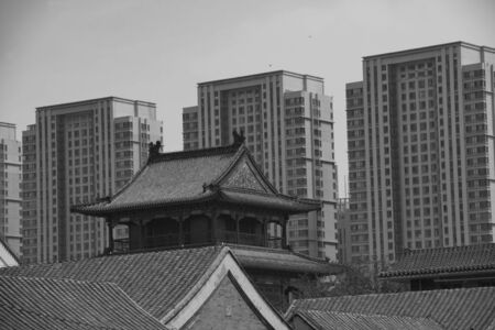 Ancient and modern buildings coexisting in the city center 版權商用圖片
