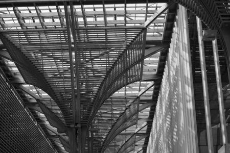 Steel structure column of interior space of modern building 版權商用圖片