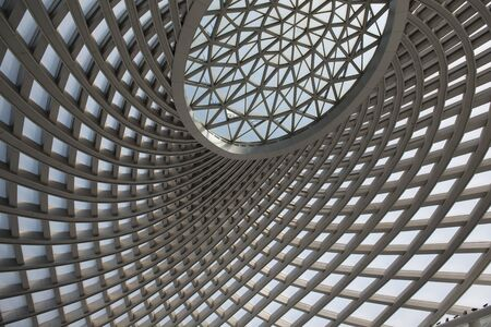Glass dome in the waiting hall of Tianjin Binhai High-speed Railway Station 版權商用圖片