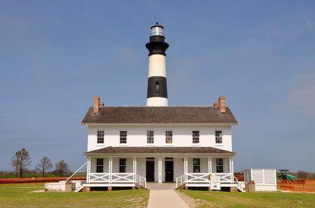 nags: Faro de la isla de Bodie en Cabo Hatteras National Seashore, sur de Nags Head, Carolina del Norte, EE.UU. Foto de archivo