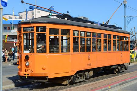 streetcar: San Francisco F-line Antique Peter Witt streetcar No.1895 Milan (Italy) at Fisherman\\