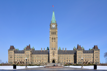 Parliament Buildings in winter, Ottawa, Ontario, Canada. 版權商用圖片 - 82747306