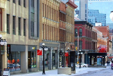 OTTAWA, CANADA - MAR. 10, 2012: Antique Buildings and stores in Sparks Street, Ottawa, Ontario, Canada. Stock Photo - 82786534