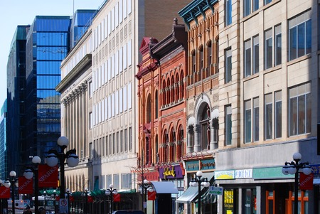 OTTAWA, CANADA - MAR. 10, 2012: Antique Buildings and stores in Sparks Street, Ottawa, Ontario, Canada. Stock Photo - 82907056