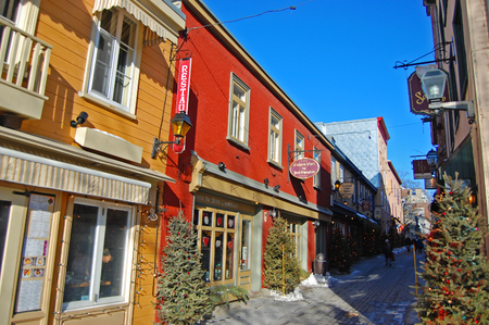 Rue du Petit-Champlain at Lower Town Basse-Ville in winter in Quebec City, Quebec, Canada. Historic District of Quebec City is UNESCO World Heritage Site since 1985. Redakční