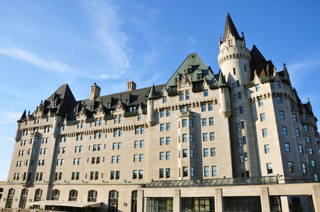 Fairmont Chateau Laurier in downtown Ottawa, Ontario, Canada. Banque d'images - 105703989