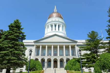 Maine State House is the state capitol of the State of Maine in Augusta, Maine, USA. Maine State House was built in 1832 with Greek Revival style. Foto de archivo