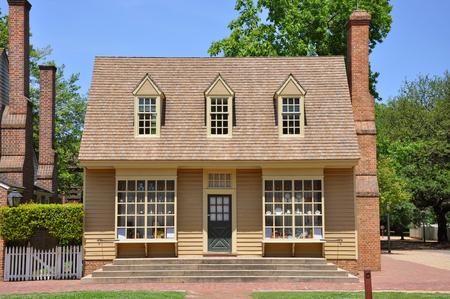 Antiker William Pitt Store in Colonial Williamsburg, Virginia, USA Editorial