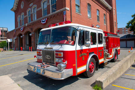 Fire truck in Peabody downtown fire department in city of Peabody, Massachusetts MA, USA. Редакционное