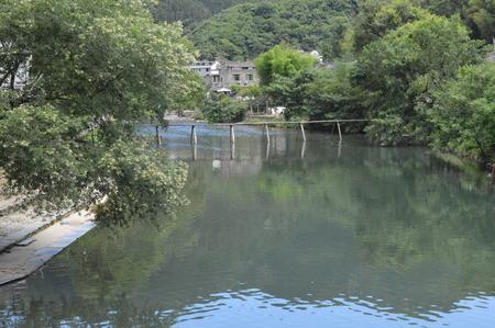 Der Fluss Standard-Bild - 92608113