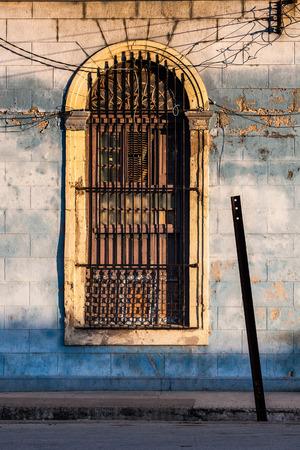 植民地時代の建築、キューバを減衰 写真素材